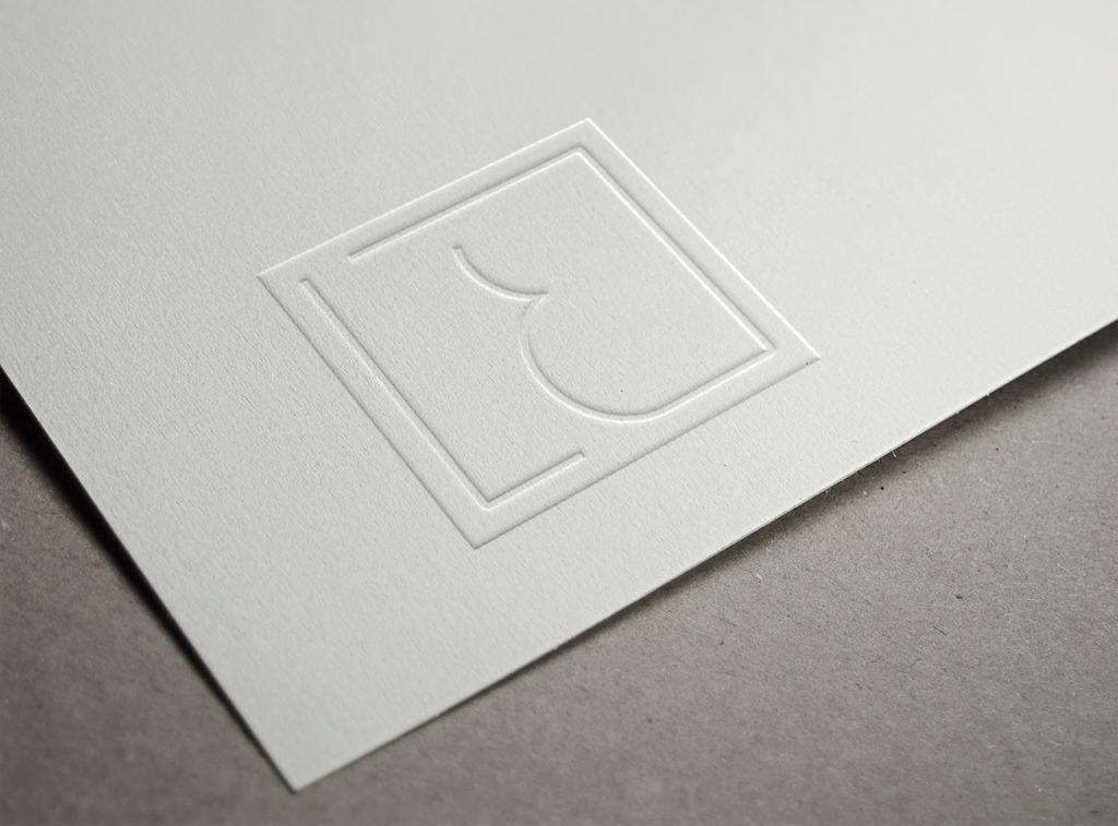 logo luxe blanc