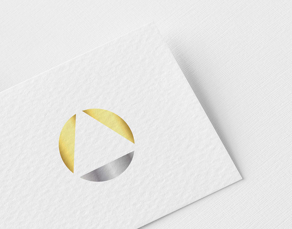 logo luxe or argent