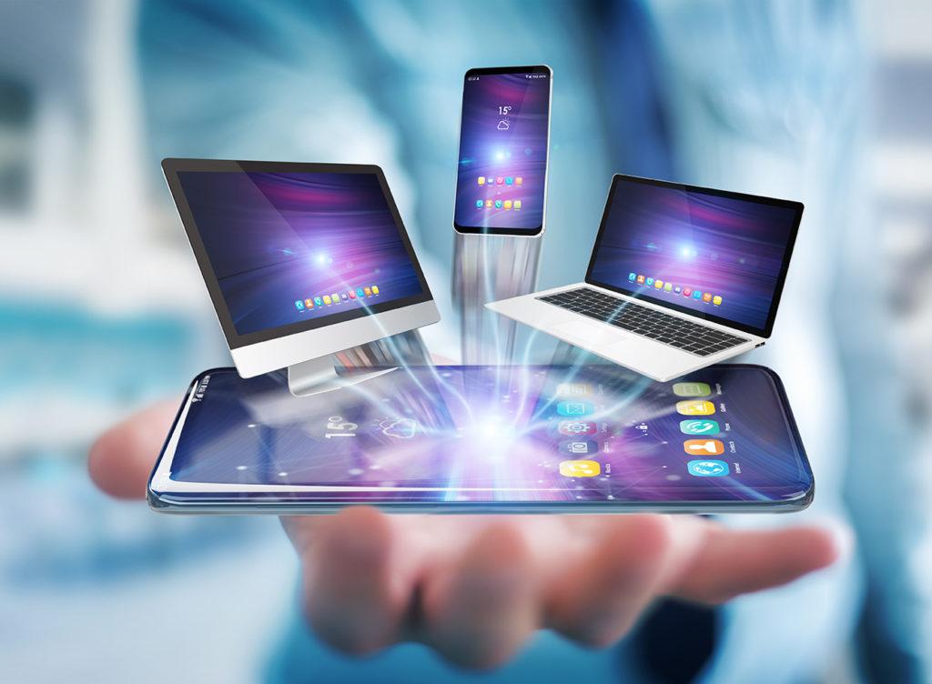 numérique futur main téléphone pc