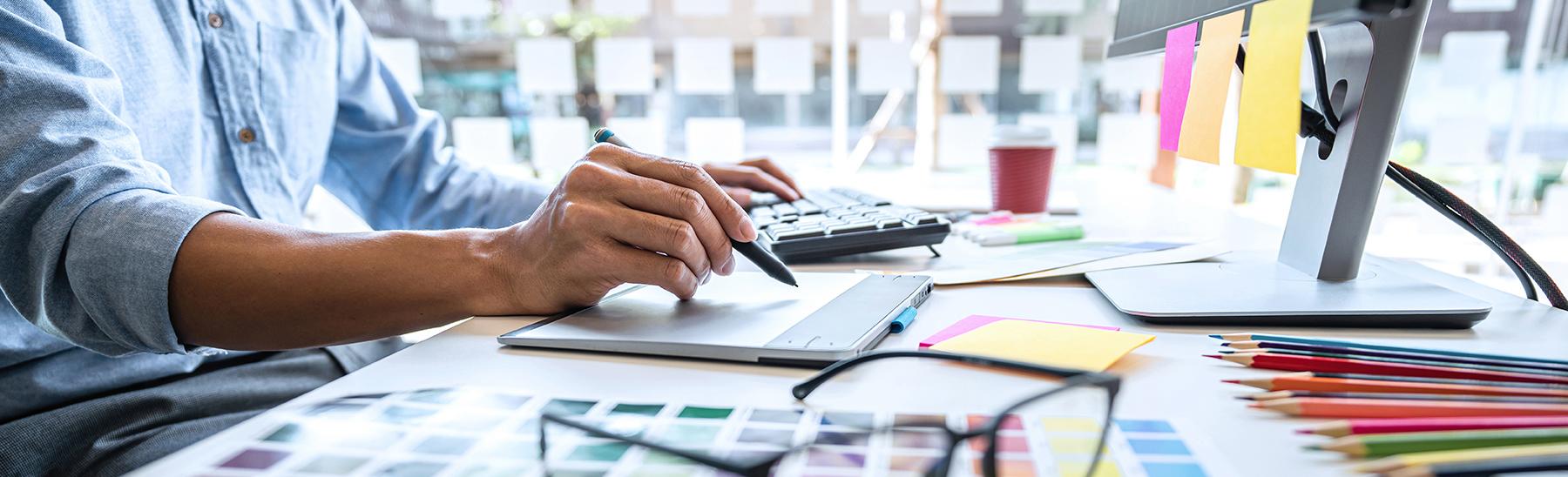 infographiste freelance designer logo